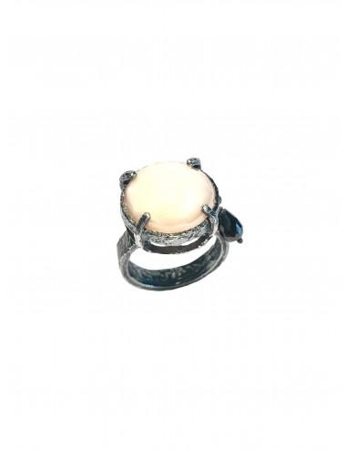 Sortija Plata Oxidada Redonda Con Cristal Cerámico Beige Ceramic