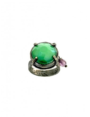 Ceramic  Round Ring  in Dark Sterling Silver with Green Crystal Ceramic