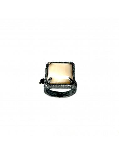 Sortija Plata Oxidada Cuadrada Con Cristal Cerámico Beige Ceramic