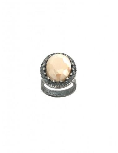 Sortija Plata Oxidada Oval Corona Con Cerco Y Cristal Cerámico Beige Ceramic