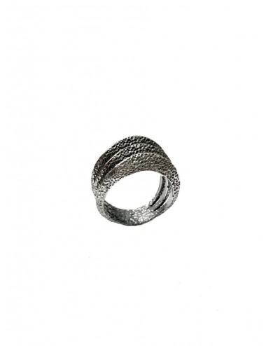 Dunes Triple Ring in Dark Sterling Silver