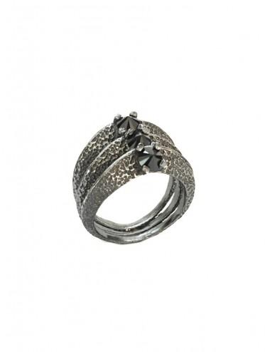 Dunes Ring in Dark Sterling Silver with 3 Black Circonitas