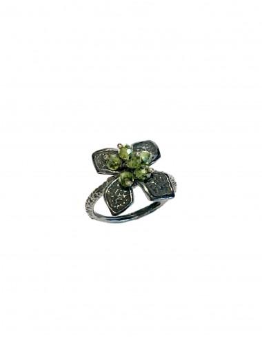 Sortija Plata Oxidada Flor Pequeña Con Bolitas Circonita Verde Petalos
