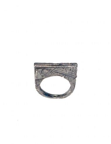 Punki Flat Ring in Dark Sterling Silver