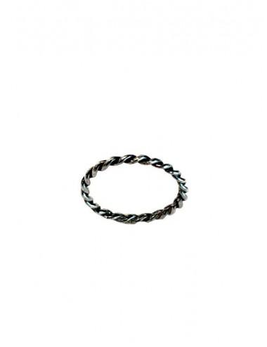 Punki Twisted Thread Ring in Dark Sterling Silver